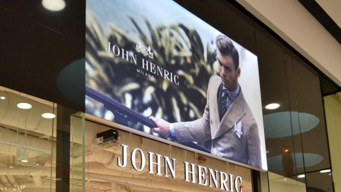 John Henric dukskylt Mall of Scandinavia
